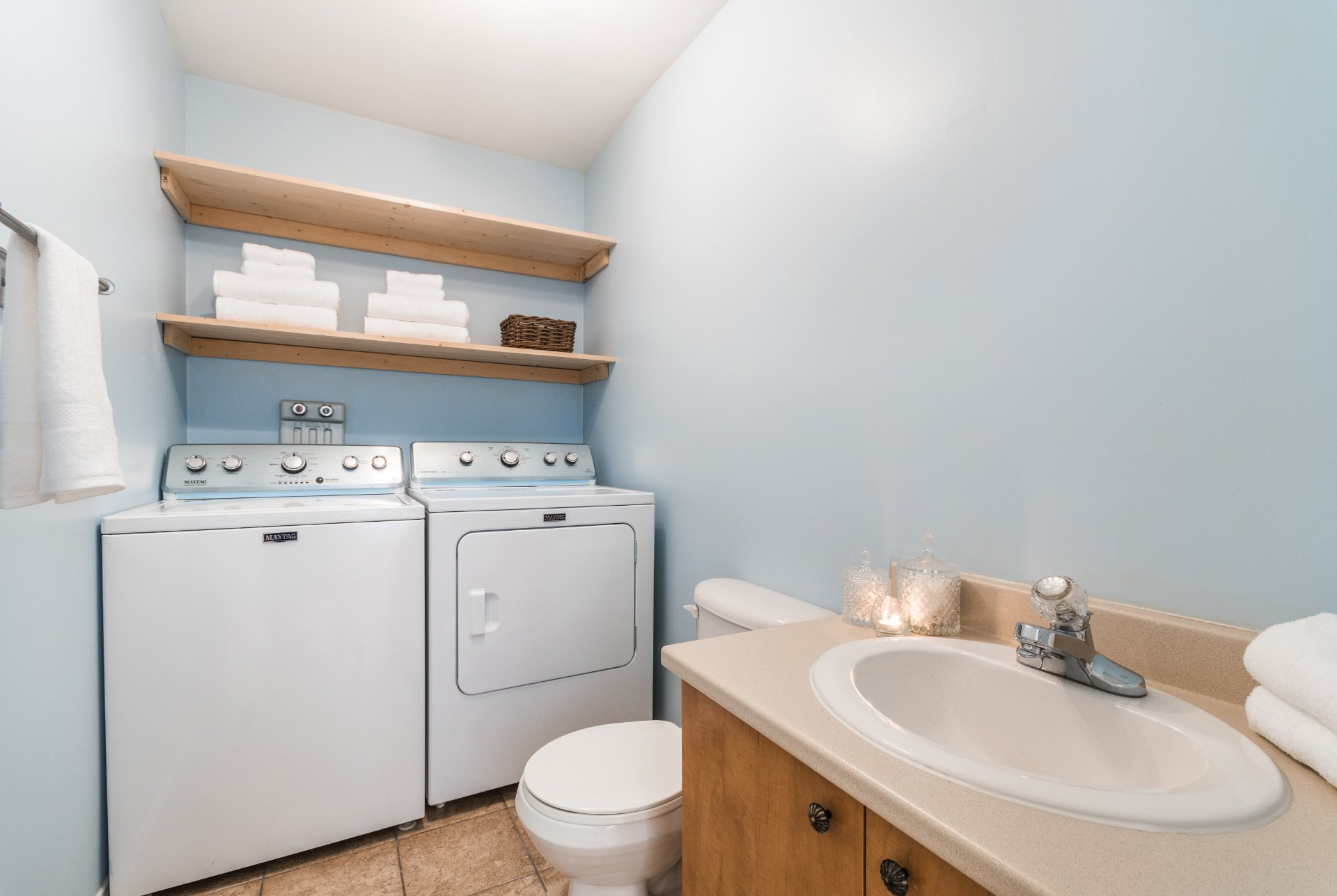 Two Or More Storey For Sale Notre Dame De L Ile Perrot Buy Two Or ~ Salle De Bain Ove Laval