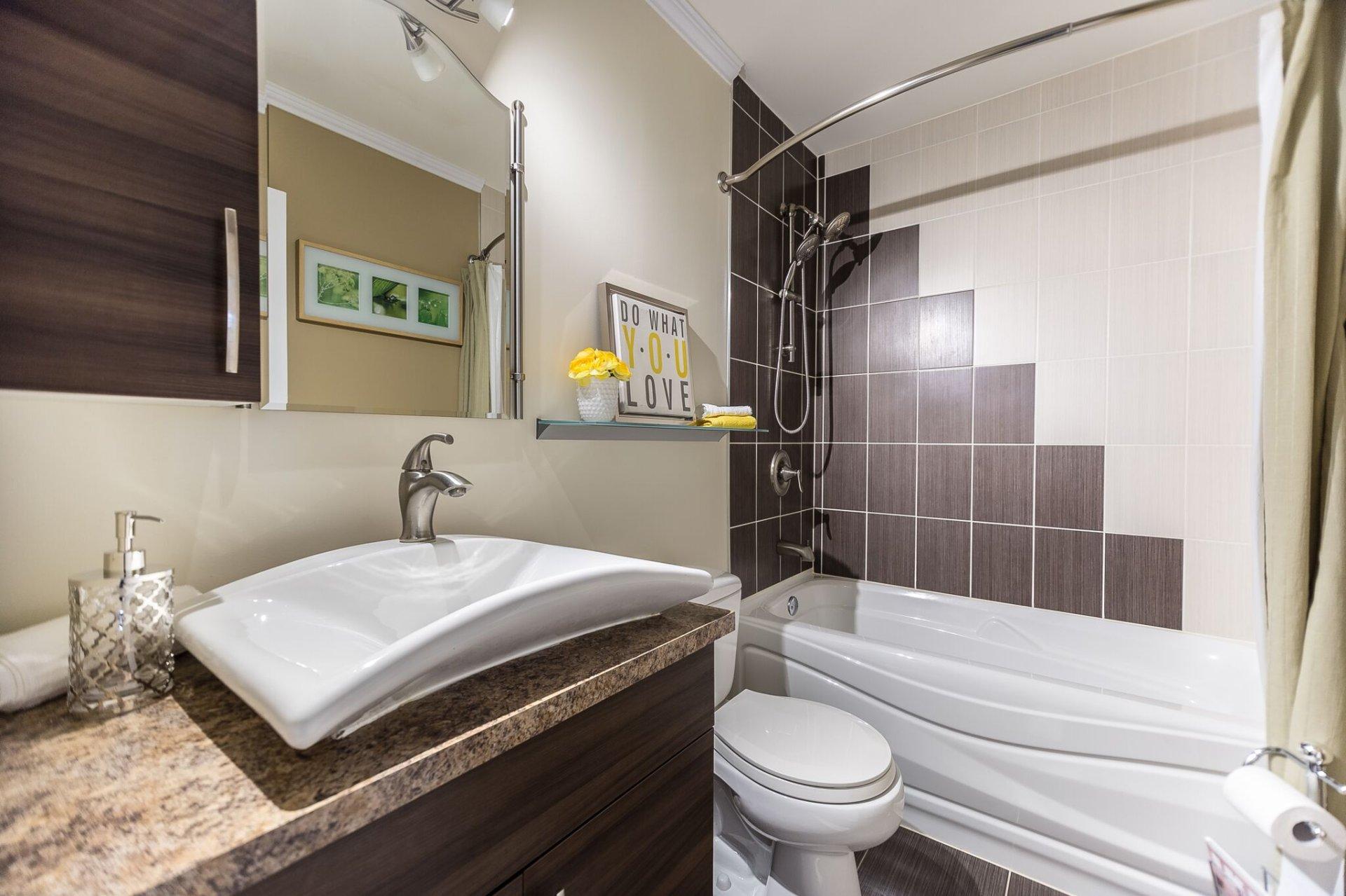Petite Salle De Bain Avec Laveuse Secheuse ~ appartement vendre la prairie acheter appartement la prairie