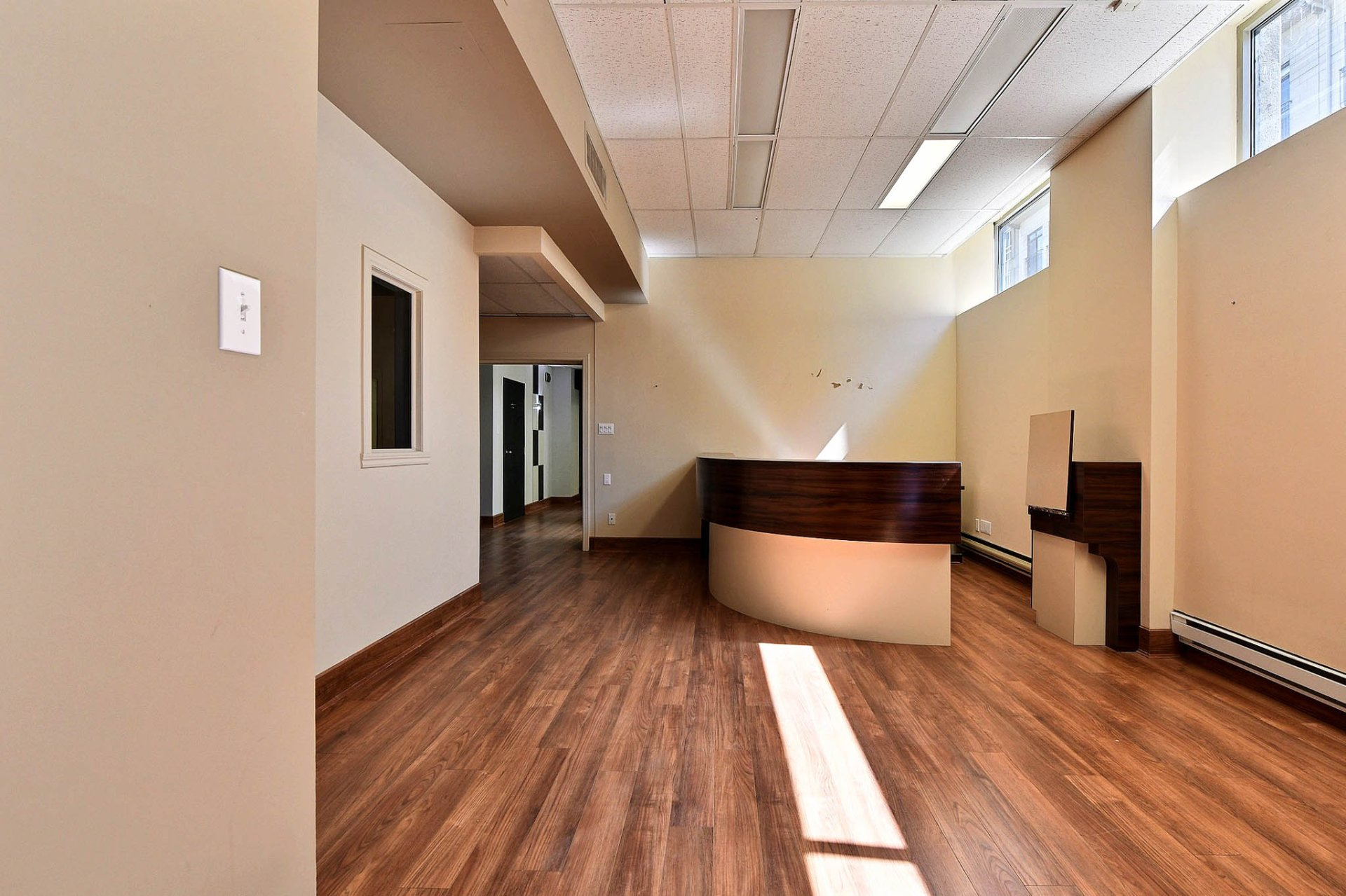 Commercial condo for sale ville marie montreal buy