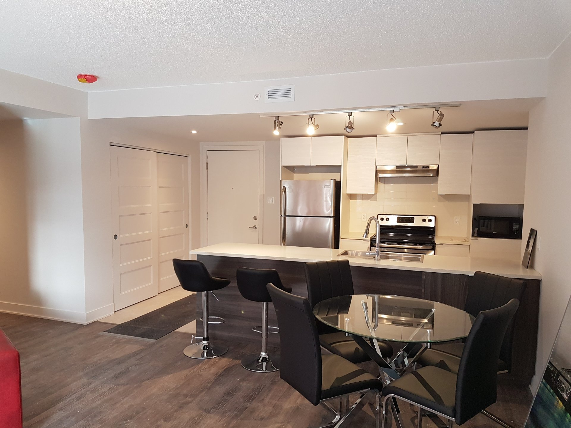 Condo for sale chomedey laval buy condo chomedey laval salon salle manger salle manger solutioingenieria Images