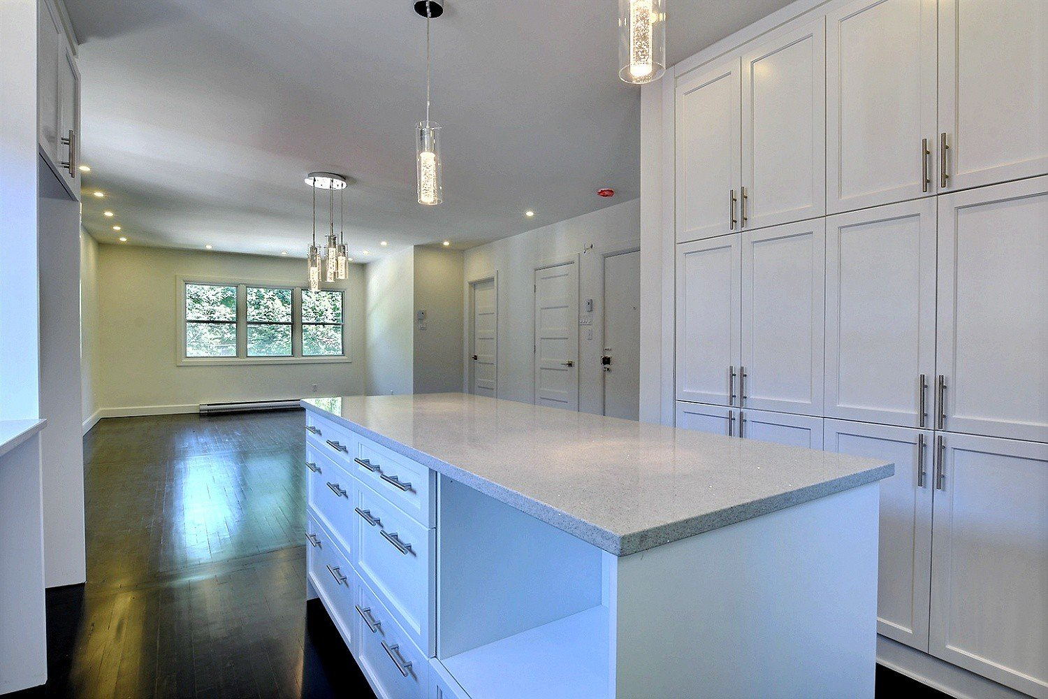 condo for sale cotedesneigesnotredamedegracemontreal Buy