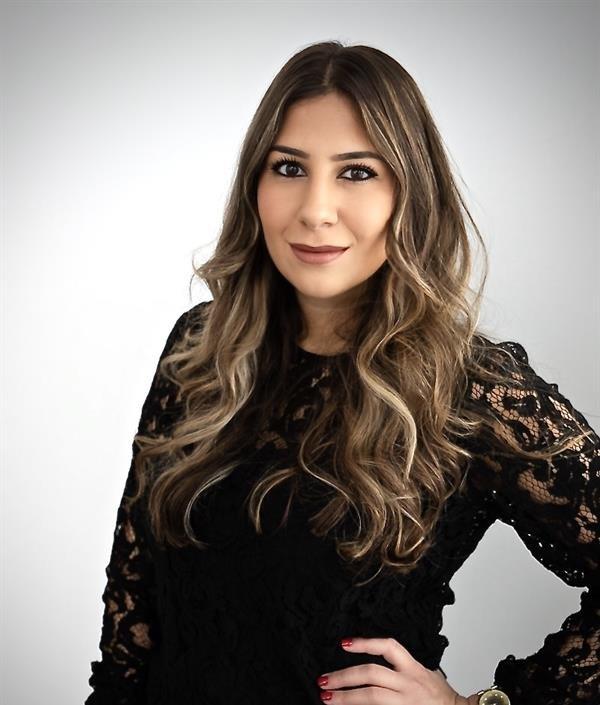 Victoria  Calitri